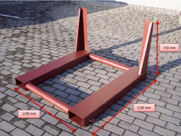 Metalowe palety do transportu elementów betonowych